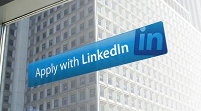 """Deze zomer introduceerde LinkedIn de """"Apply with LinkedIn""""-button, een knop waarmee je als kandidaat eenvoudig kan solliciteren met je LinkedIn profiel. Hireserve bied nu ook volledige integratie van de LinkedIn sollicitatie-knop. De button kan worden toegevoegd aan de vacature als extra optie naast solliciteren met het sollicitatieformulier. Kandidaten hoeven alleen […]"""